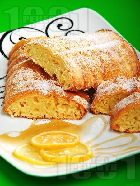 Лимонов кекс с мед и масло - снимка на рецептата